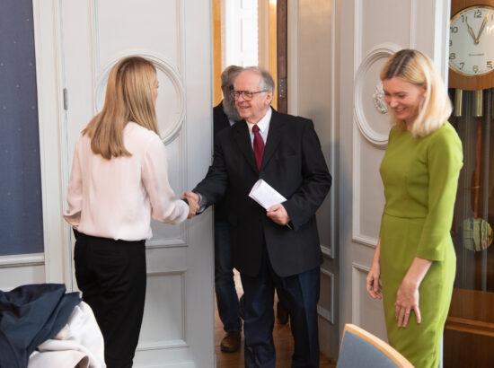 Euroopa Parlamendi esimene asepresident Roberta Metsola ja riigikaitsekomisjoni esimees Enn Eesmaa