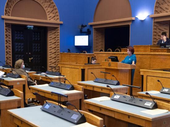 Tartu Ülikooli bio- ja siirdemeditsiini instituudi professor ja COVID-19 teadusnõukoja juht Irja Lutsar