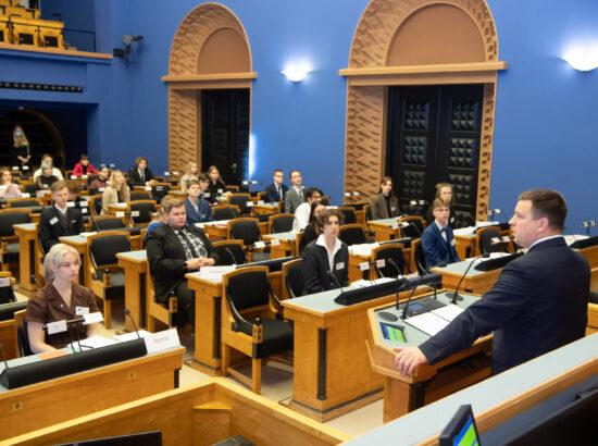 Riigikogu esimees Jüri Ratas avas 16. Eesti Mudel-Euroopa Parlamendi täiskogu