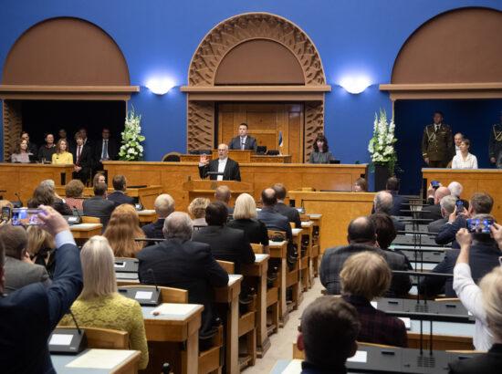 President Alar Karis andmas ametivannet